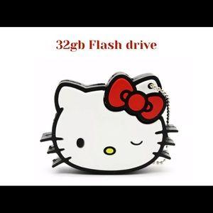 Hello kitty 32gb Flash drive. Brand New.